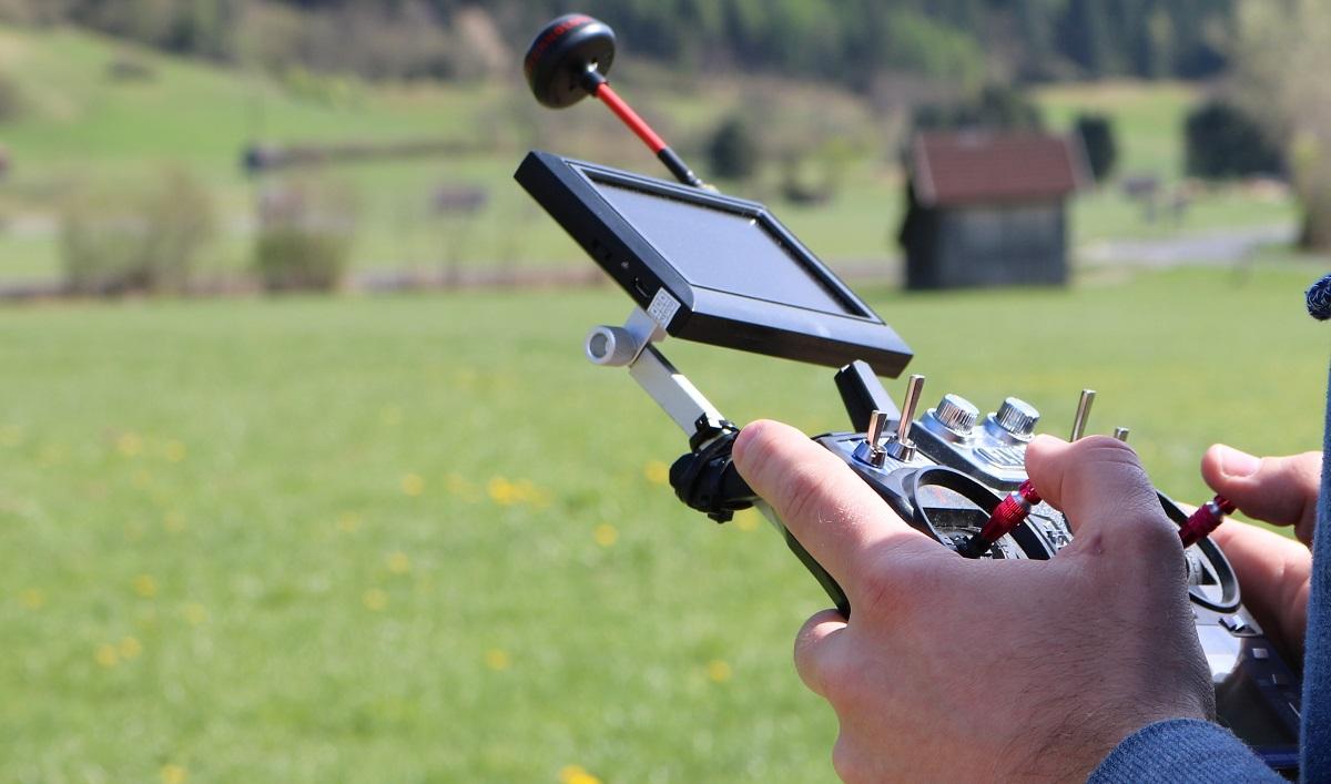 Hexacopter Eigenbau mit 2220 mAh 3s Lipo GPS und CC3D - Fernsteuerung