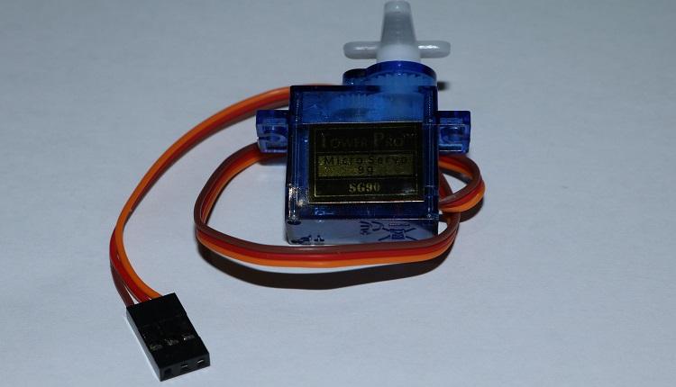 Arduino SG90 Servo Motor