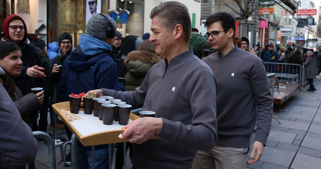 Apple Store Kaffee