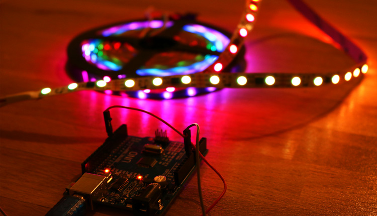 Arduino WS2811 WS2812 LED Strip Color Control